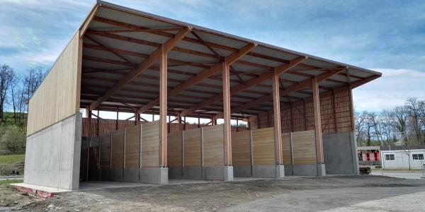 Bâtiment stockage - boxes avec parois amovible.
